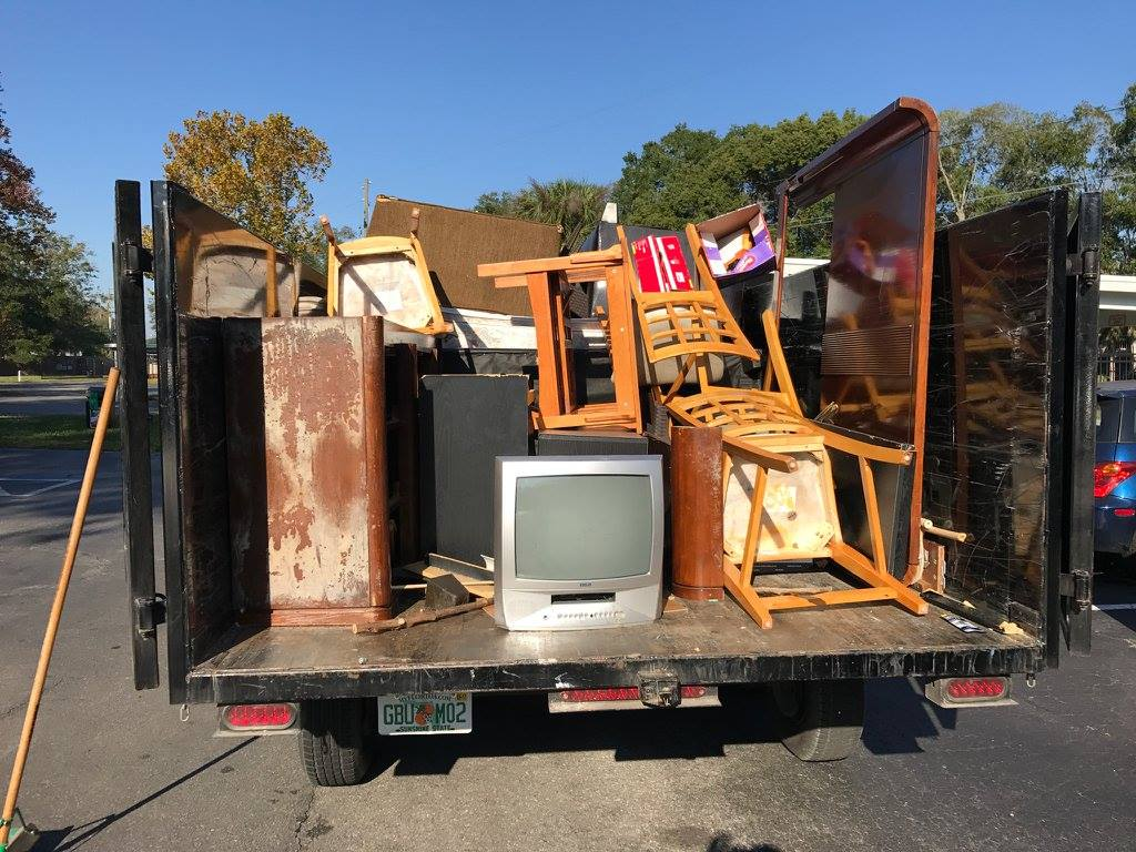 Contact Us-Albuquerque Dumpster Rental & Junk Removal Services-We Offer Residential and Commercial Dumpster Removal Services, Portable Toilet Services, Dumpster Rentals, Bulk Trash, Demolition Removal, Junk Hauling, Rubbish Removal, Waste Containers, Debris Removal, 20 & 30 Yard Container Rentals, and much more!