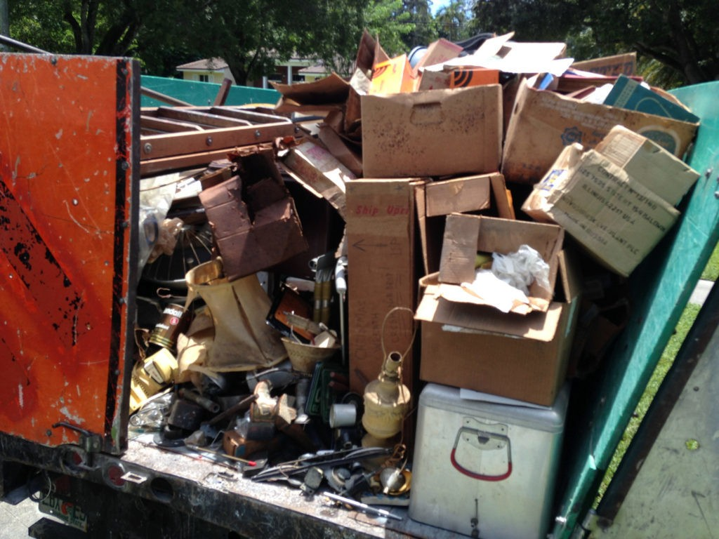 Trash Hauling and Removal-Albuquerque Dumpster Rental & Junk Removal Services-We Offer Residential and Commercial Dumpster Removal Services, Portable Toilet Services, Dumpster Rentals, Bulk Trash, Demolition Removal, Junk Hauling, Rubbish Removal, Waste Containers, Debris Removal, 20 & 30 Yard Container Rentals, and much more!
